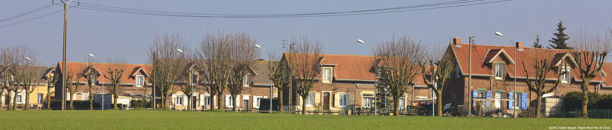 Cité n°5 à Grenay ©2012, Hubert Bouvet, Région Nord-Pas de Calais