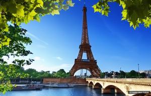 La Tour Eiffel et les rives de la Seine, France, ©Fotolia-Iakov Kalinin